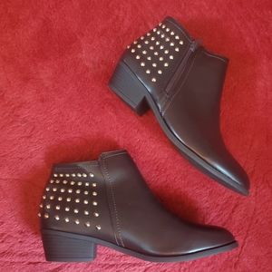 Refresh Women's Size 10 Brown Studded Boots NWOB